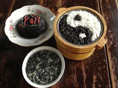 苏州木渎古镇美食:乌米饭-方伟峰吴珍堂乌米饭
