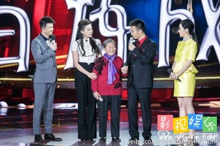 回声嘹亮20150423期刘和刚拉住妈妈的手